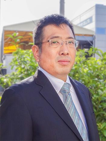 代表取締役 尾崎 裕